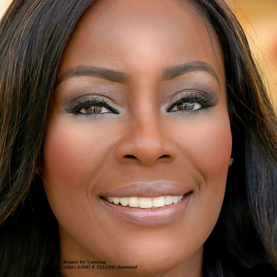 Vanessa Ferguson Kellman wearing MAC lipstick naked Bud and QUO full lashes in glamorous 806